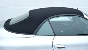 Sunbrellabezug beim Verdeck von Cabrio-Autos